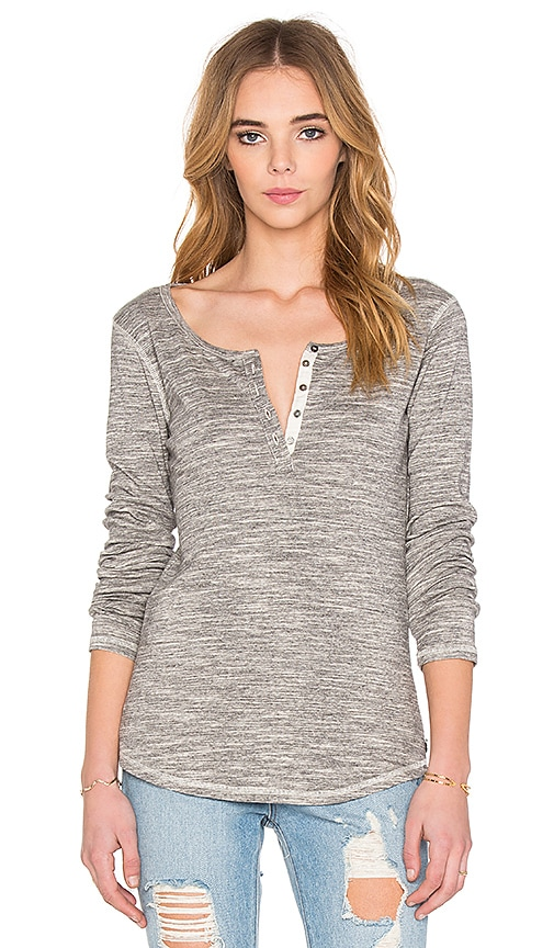 Maison Scotch Bonded Iconic Henley in Gray