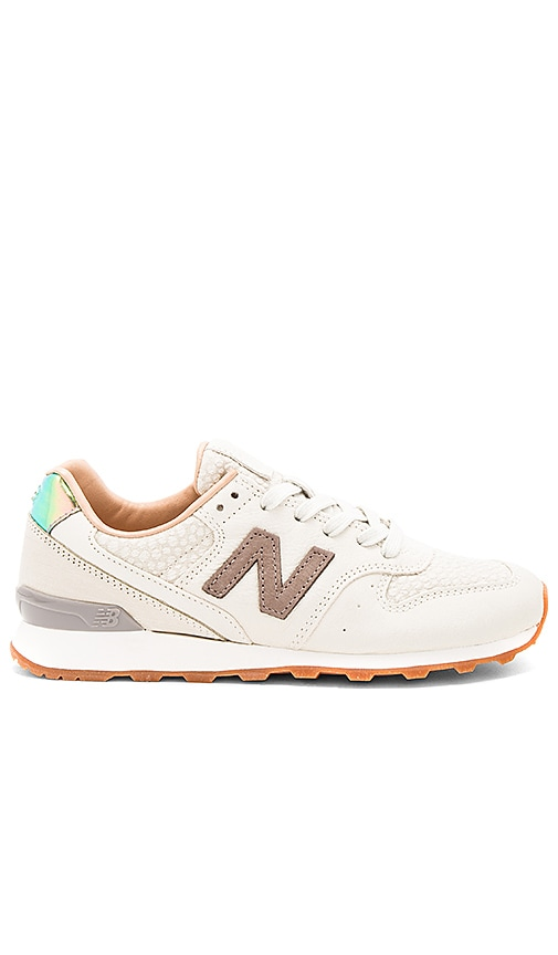 New Balance NB Grey Sneaker in Taupe