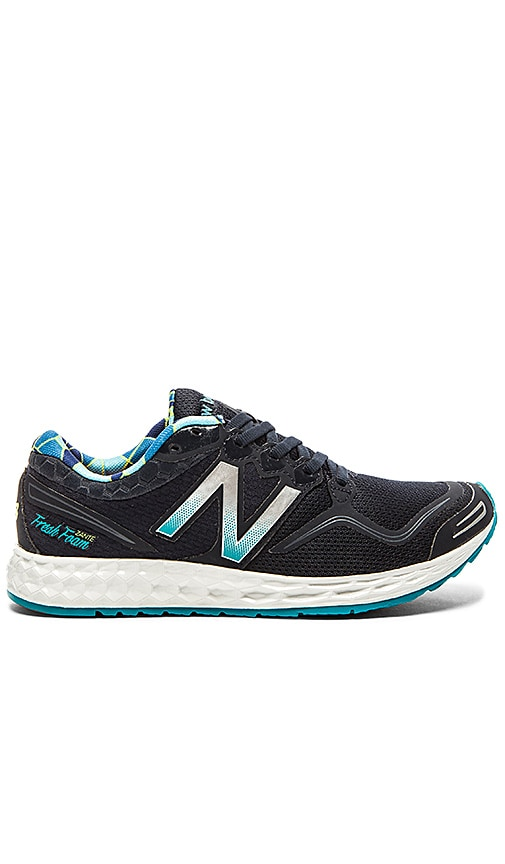 New Balance Fresh Foam Zante Performance Sneaker in Silver & Navy