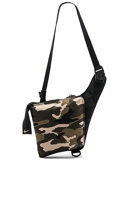 6f56d4ba830 Nike Airmax Smit Bag in Camo Clash   Black