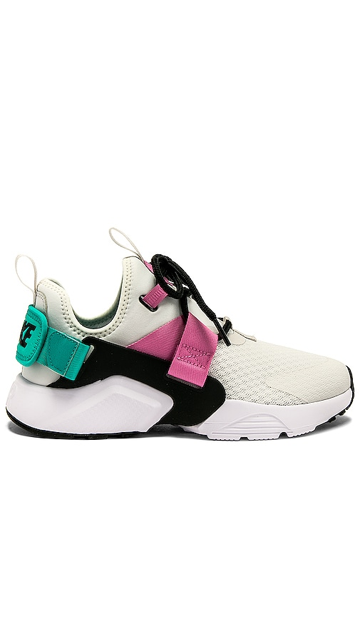 SNEAKERS AIR HUARACHE CITY LOW