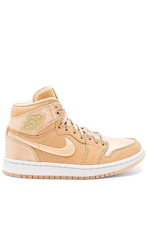 52c8ec3e9071e0 Nike Air Jordan 1 Retro High SOH in Ice Peach   White Metallic Gold ...