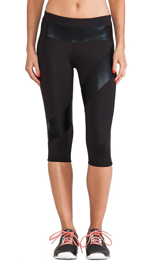Spliced Diagonal Capri Legging