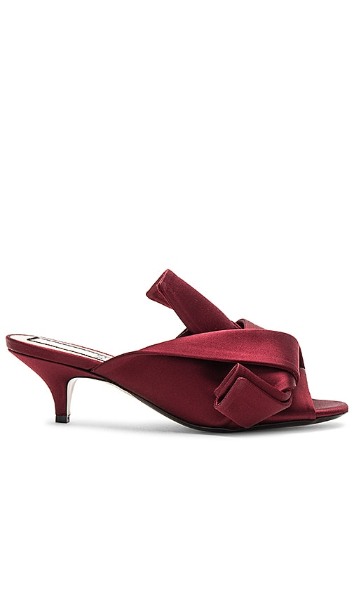 No. 21 Bow Kitten Heel in Burgundy