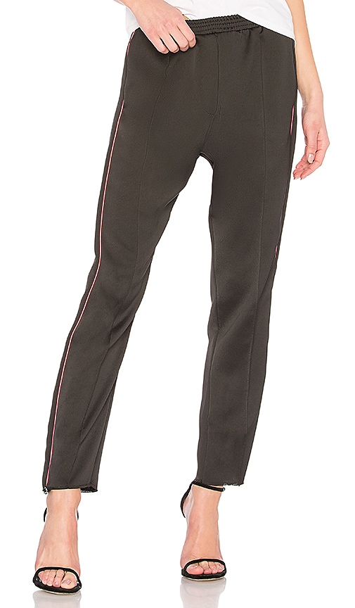 Nude Tapered Pant in Black