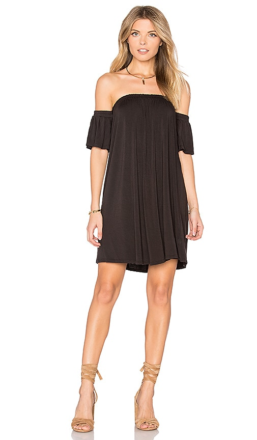 NYTT Off Shoulder Dress in Black