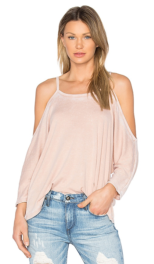 NYTT Cold Shoulder Tee in Pink