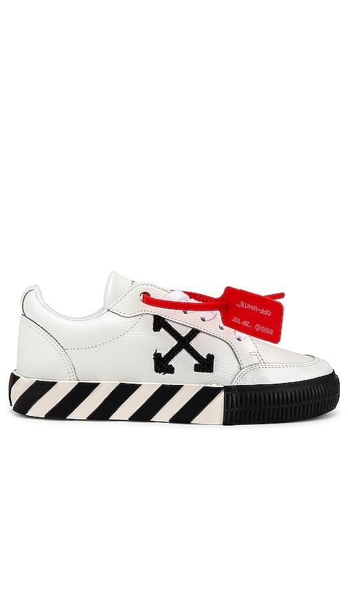 OFF-WHITE Arrow Low Vulcanized Sneaker