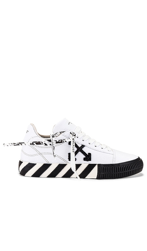 Off-White Low tops Low Vulcanized Canvas Sneaker