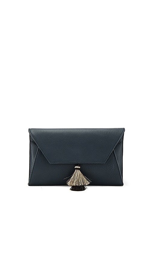 Oliveve Cleo Clutch in Navy