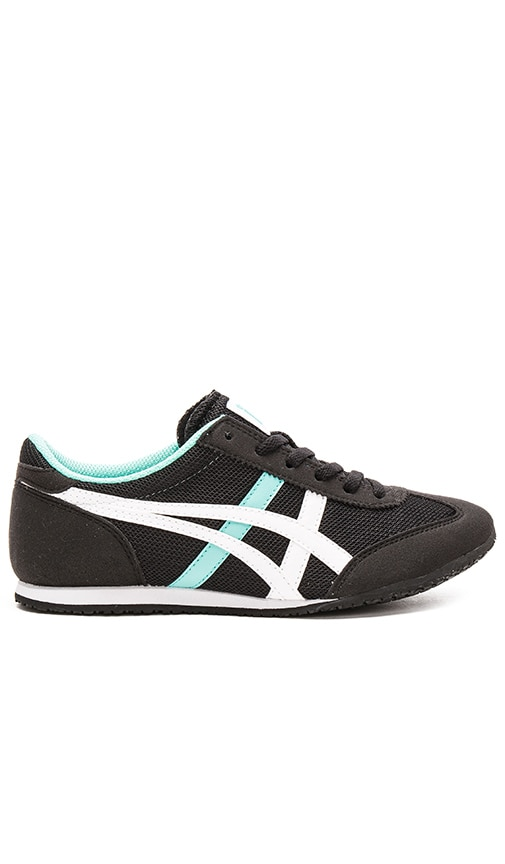 official photos 0487c 5dfd5 Onitsuka Tiger Machu Racer in Black & White | REVOLVE