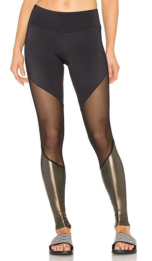 onzie Track Legging in Black