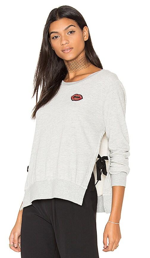 Pam & Gela Side Slide Crew Neck Lip Sweatshirt in Gray