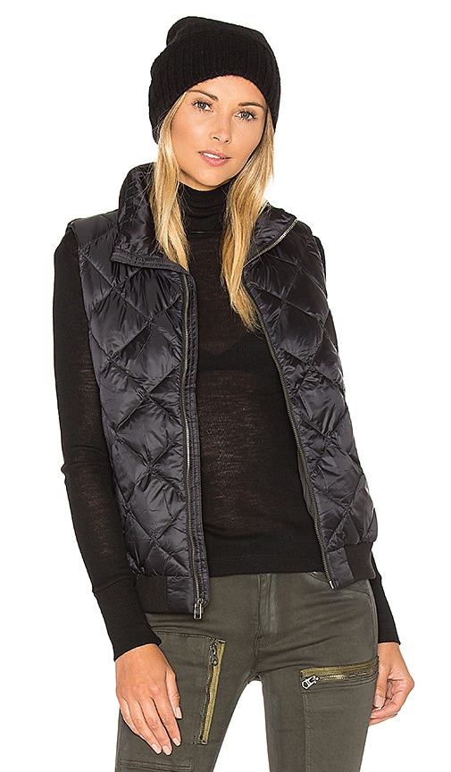 Patagonia Prow Bomber Vest in Black