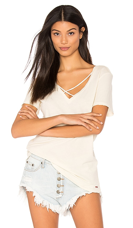 n:PHILANTHROPY Robbie V Neck Tee in Cream