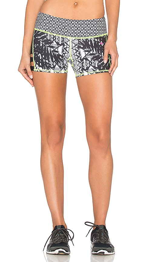 Pink Lotus Lead Two Tone Print Sports Short in Black & White