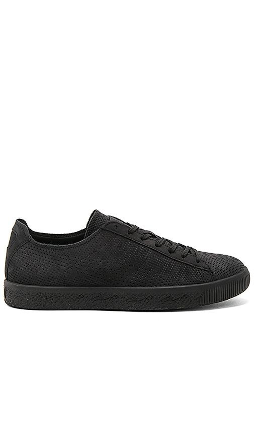 sports shoes 954e5 02bf7 Puma Select x STAMPD Clyde in Puma Black | REVOLVE