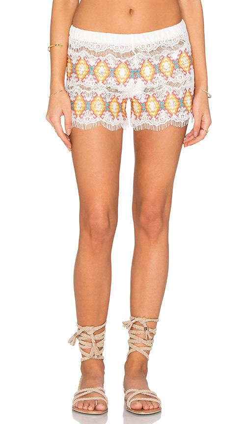 Queen & Pawn Kea Embroidered Short in White