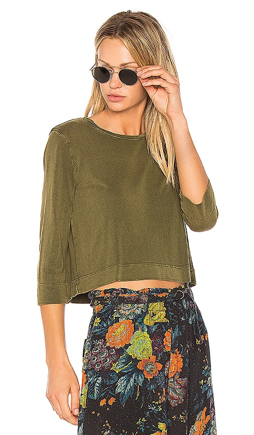 Raquel Allegra Half Sleeve Crop Top in Army