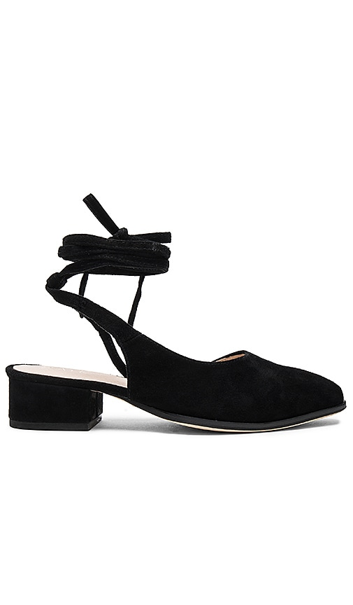 RAYE Kaye Flat in Black