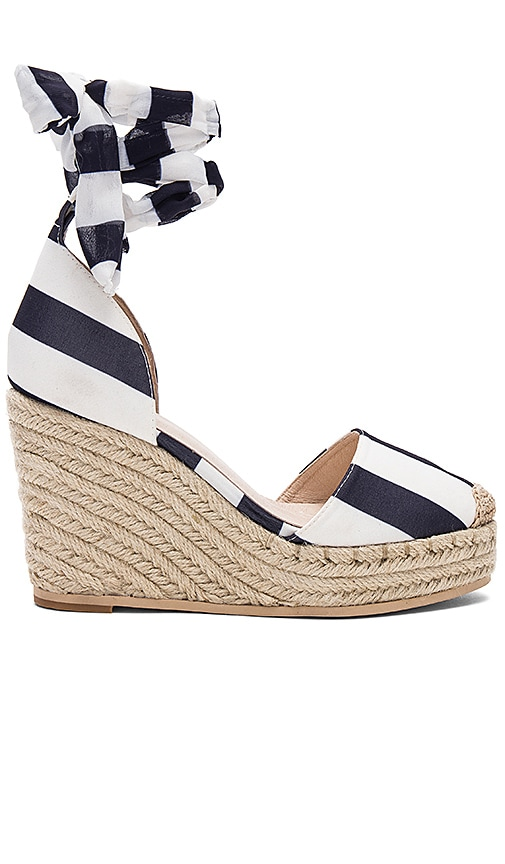RAYE Dahlia Wedge in Navy