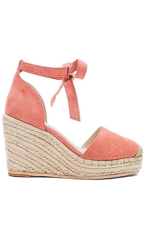 RAYE Dahlia Wedge in Peach
