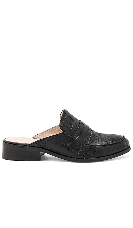 RAYE x REVOLVE La Brea Loafer in Black