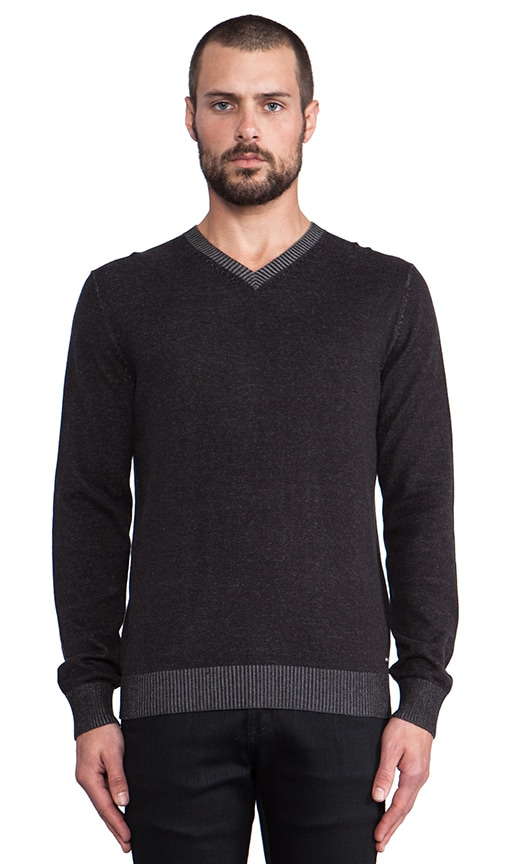 Plate Sweater V-Neck
