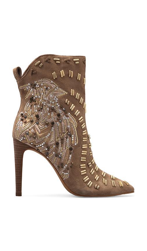 Melina Boot
