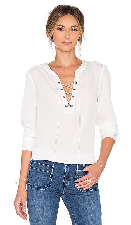 Sanctuary Lace Up Cafe Top in Milk
