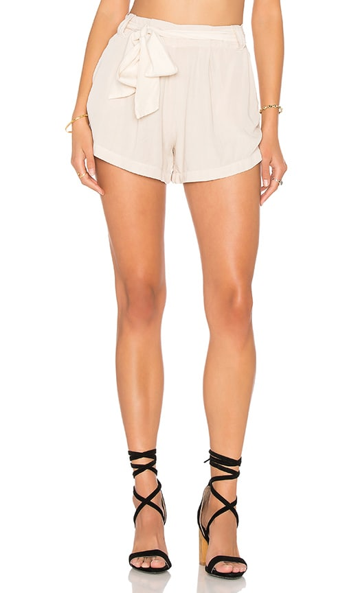 LAVI by SAM&LAVI Cori Short in Beige