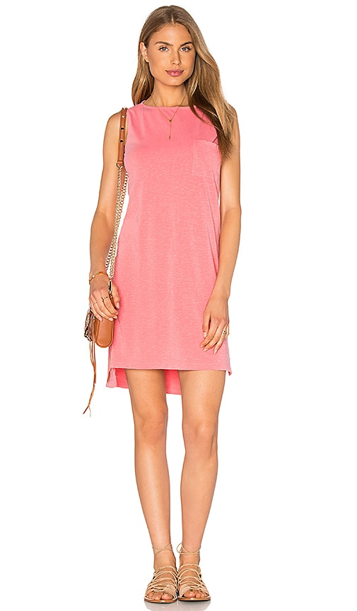 SUNDRY Sleeveless Shift Dress in Coral