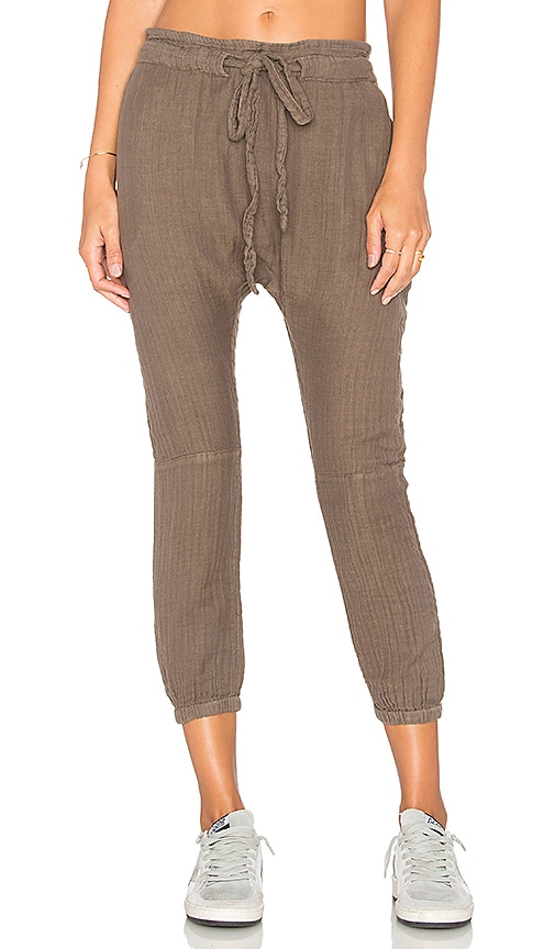 SUNDRY Pinstripe Jogger Pant in Army