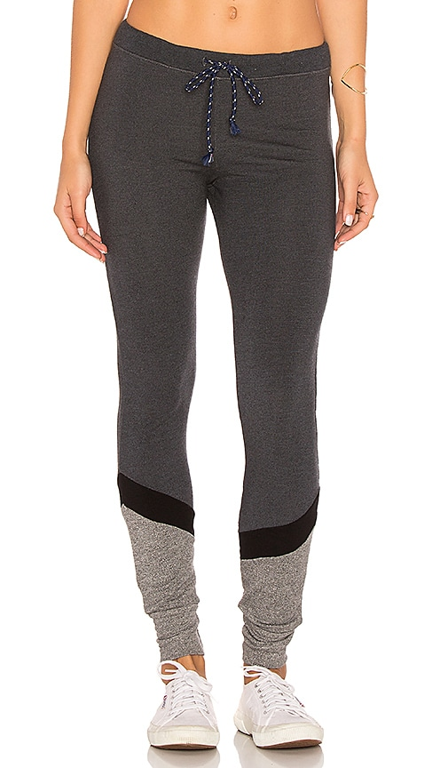 SUNDRY Pieced Skinny Sweatpant in Charcoal