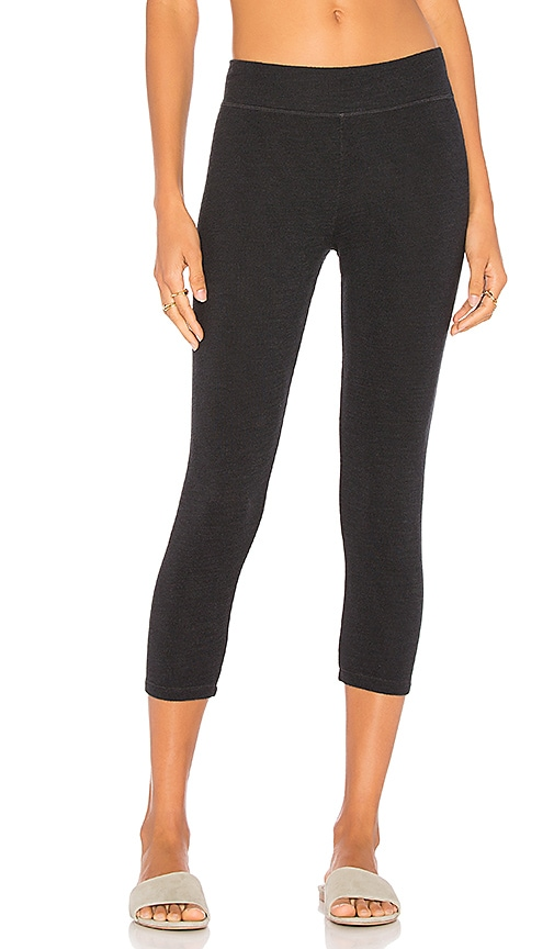 SUNDRY Capri Yoga Pant in Black