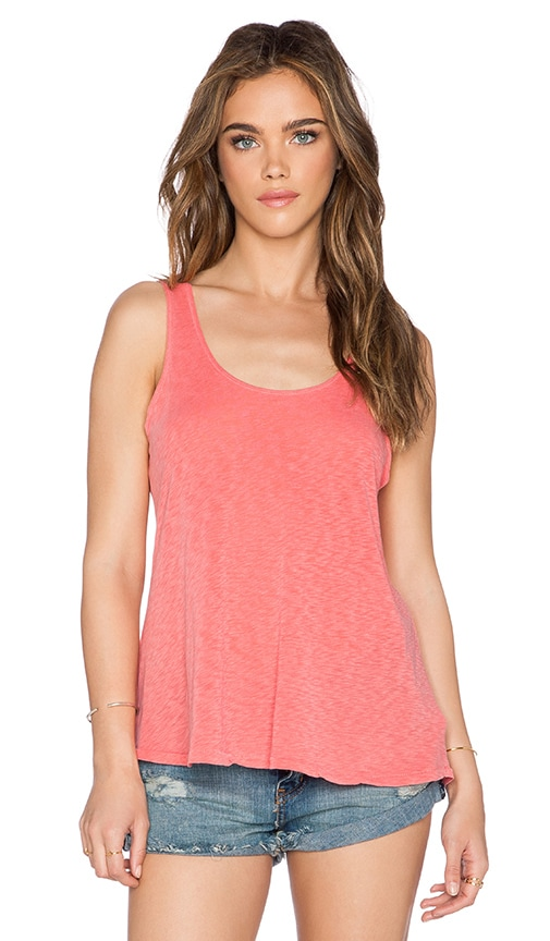 SUNDRY Boxy Tank in Coral Pigment