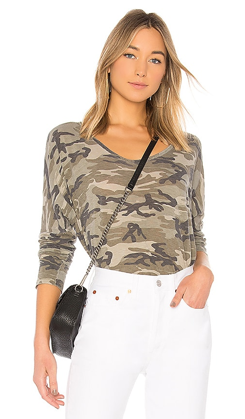 SUNDRY Camo Long Sleeve Tee in Olive