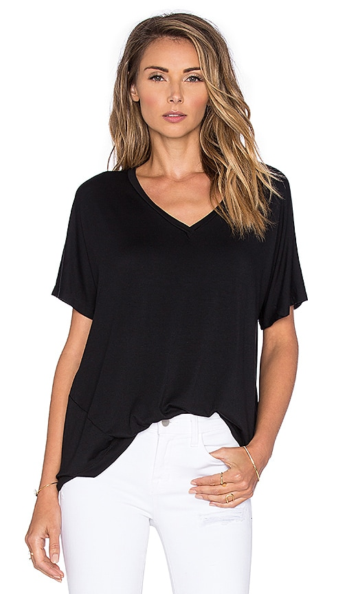 sen Cynthia Tee in Black