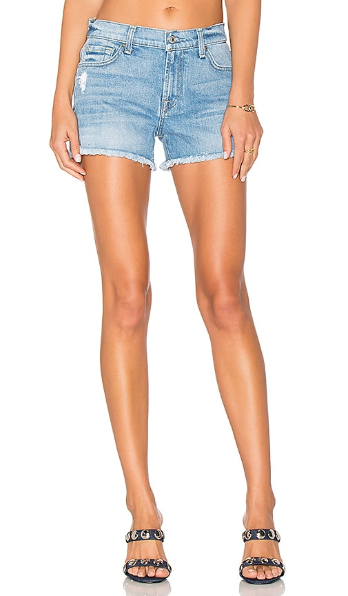 7 For All Mankind Cut Off Short in Melbourne Sky