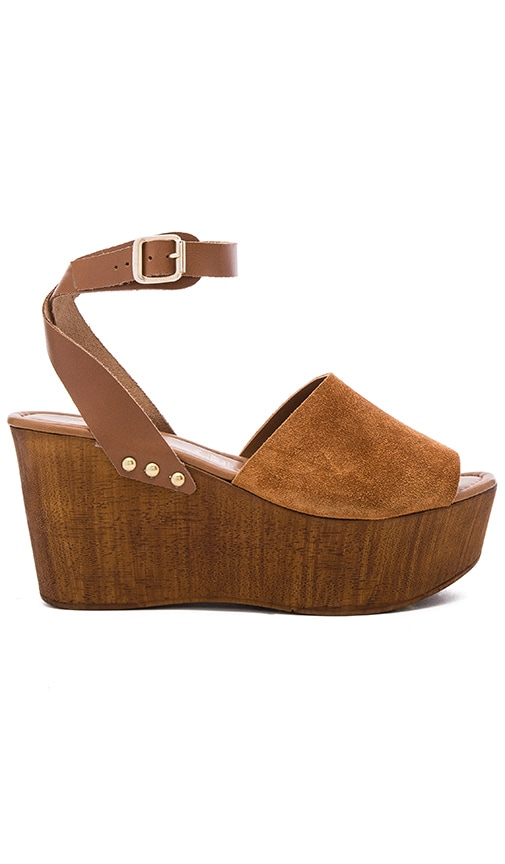 Seychelles Forward Wedge in Cognac