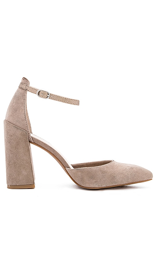 Seychelles Gaggle Heels in Taupe
