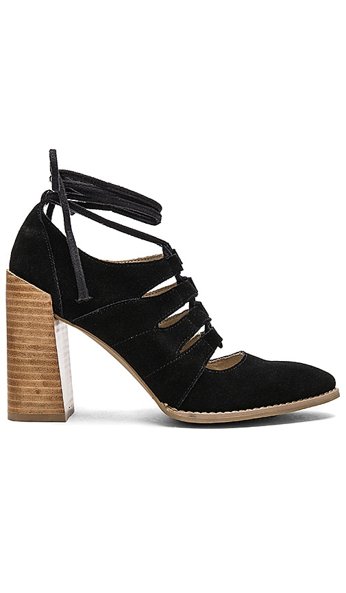 Seychelles Condition Sandal in Black