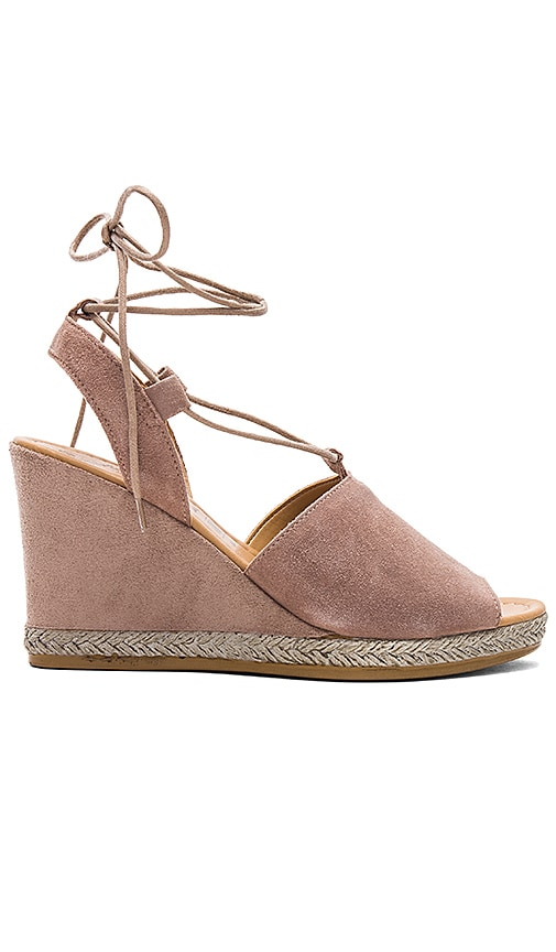 Seychelles Whatnot Wedge in Taupe
