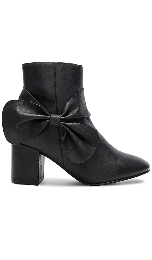 Seychelles Catwalk Bootie in Black