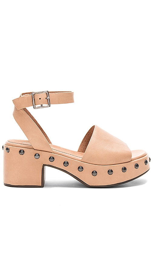 Seychelles Spare Moments Sandal in Tan