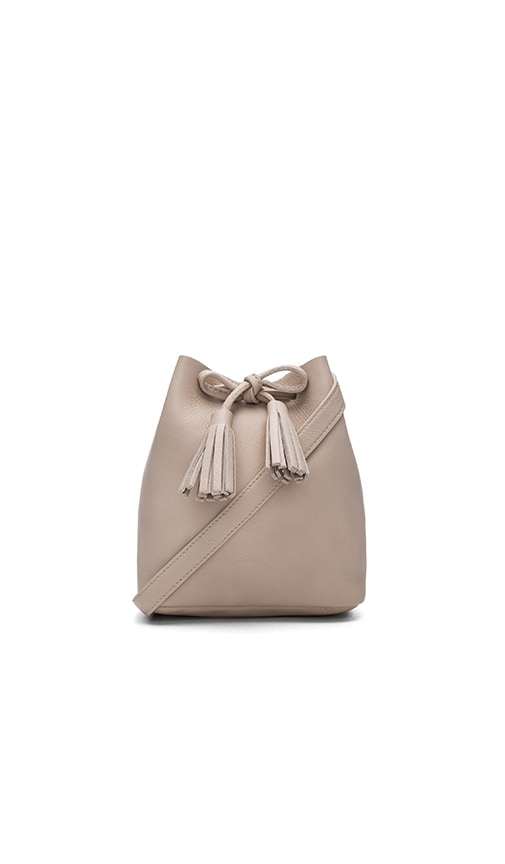Shaffer Greta Bucket Bag in Avorio