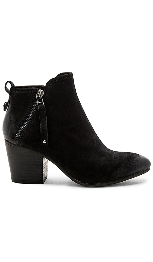 Steve Madden Julius Bootie in Black