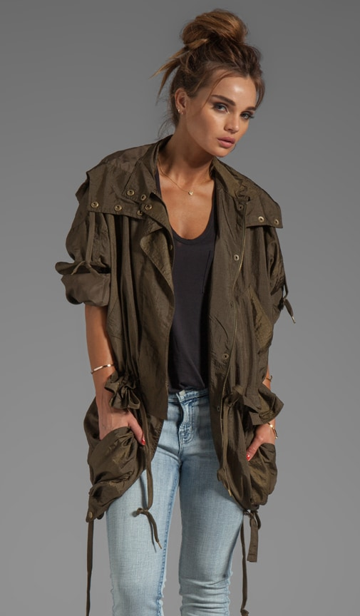 Light Nylon Short Trench With Hood