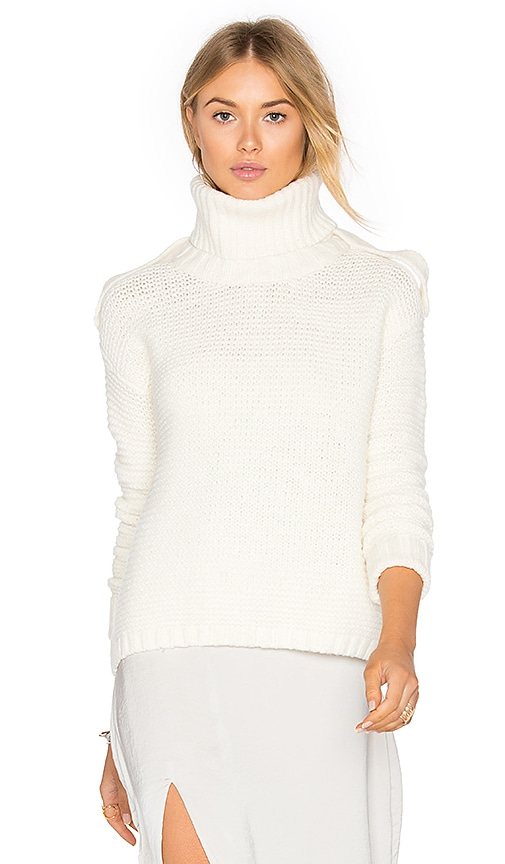 SOH Removeable Turtleneck Sweater in White