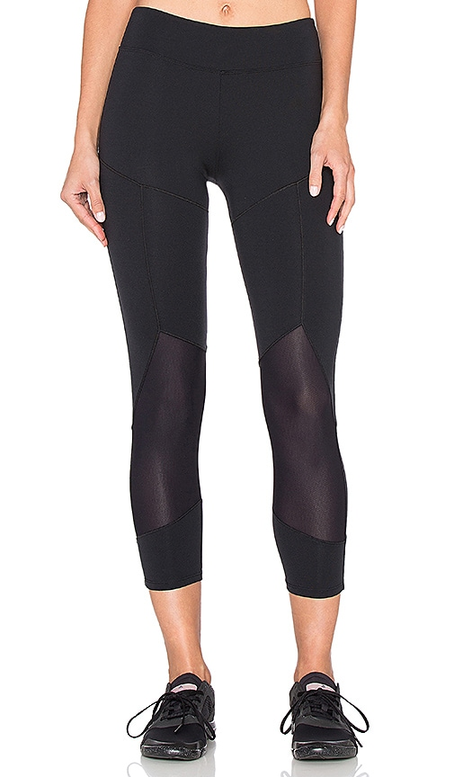 SOLOW Angled Crop Legging in Black